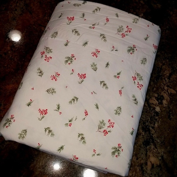 Ralph Lauren King Flat Holly Berry Mistletoe Sheet